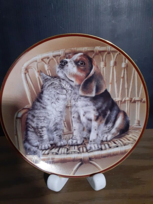 Collectible Plate FRIENDS ARE FOREVER-artist Alexei Isakov Bradford