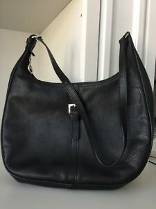 LONGCHAMP pebbled Leather Hobo shoulder Black purse