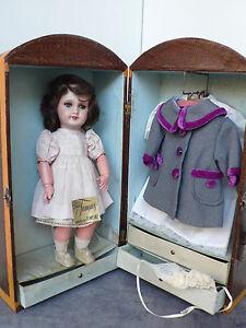 rare ensemble poupee ancienne avec sa malle cabine garnie et sa boite d 39 origine ebay. Black Bedroom Furniture Sets. Home Design Ideas