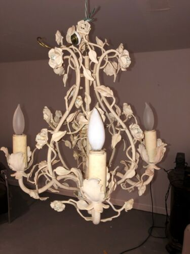 ANTIQUE- SMALL CHANDELIER, BEIGE 4 LIGHT, ROSES AND PETLAS..CHEAP...LOOK