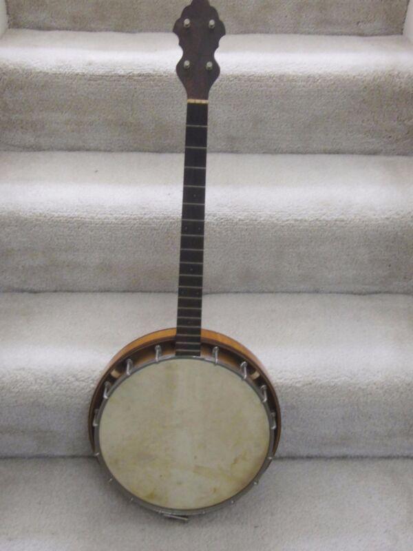 Weymann model 135 vintage tenor banjo-original case, 1920