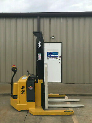 2008 Yale Walkie Stacker - Walk Behind Forklift - Straddle Lift Only 5486 Hours
