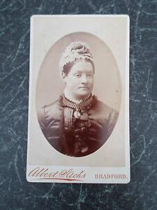 Antique-Cabinet-Photograph-STERN-VICTORIAN-LADY-CHOKER-Albert-Sachs-Bradford