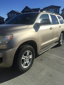 2009 sequoia sr5 4.7 engine  8 passenger seats