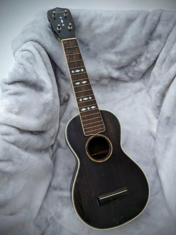 1929 Gibson Ukulele - Style 3 (Soprano)