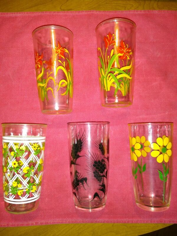 Vintage 1 Pint Size Sour Cream Glasses, Daisy, Floral, Wheat