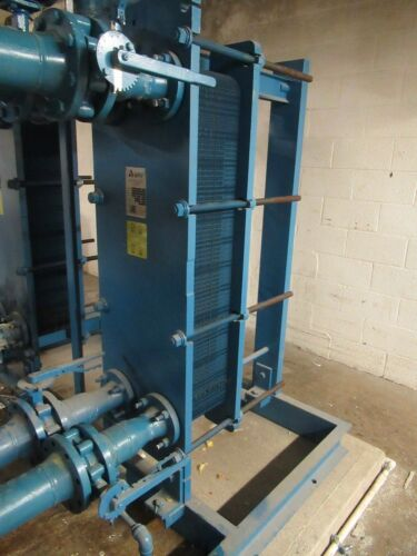 """2002 year APV PLATE TYPE HEAT EXCHANGER N35 MGS-10 3"""" INLET 3"""" OUTLET 78 PLATES"""