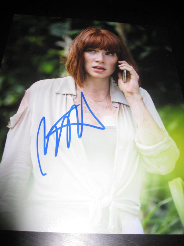 BRYCE DALLAS HOWARD SIGNED AUTOGRAPH 8x10 JURASSIC WORLD PROMO COA AUTO RARE D