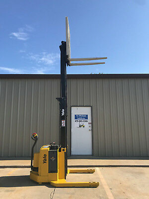 2006 Yale Walkie Stacker - Walk Behind Forklift - Straddle Lift Only 4142 Hours