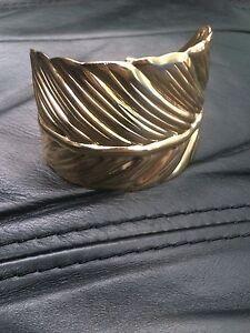 NEW Gold Wrap Around Feather Bracelet