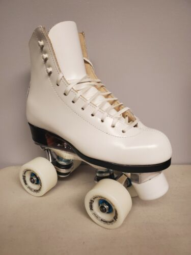Brand New Riedell 75 Leather Boot Roller Skates Girls size 2