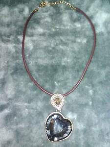 HEART SHAPED GLASS NECKLACE Doncaster Manningham Area Preview