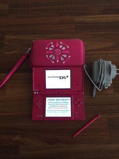 Nintendo DS plus 17 games Maudsland Gold Coast West Preview