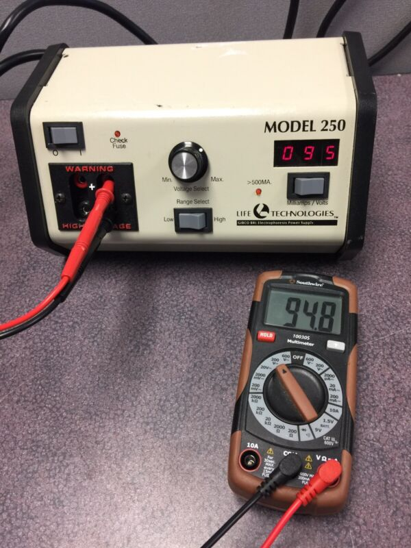 LIFE TECHNOLOGIES  ELECTROPHORESIS POWER SUPPLY MODEL 250- w/ warranty