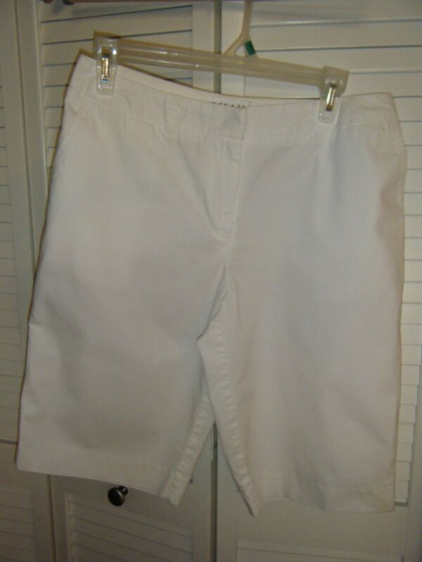 CHAUS SIZE 6 100% COTTON WHITE SHORTS