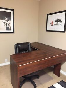 Sturdy Desk forsale