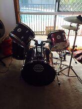 Drum kit South Maclean Logan Area Preview