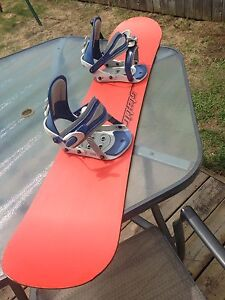 Static Snowboard  and bindings $50
