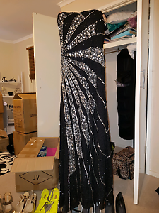 Evening dress excellent condition size14  worn once Hoppers Crossing Wyndham Area Preview