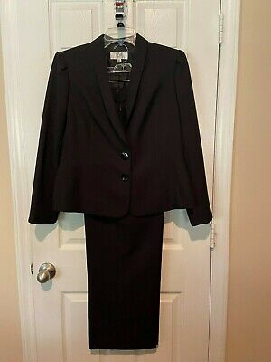 Womans LeSuit Black Pant Suit - Size 14P