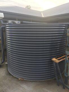For sale colour bond 10000 lt rainwater tank and Davey rainbank pump