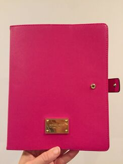 iPad cover Michael Kors in hot pink