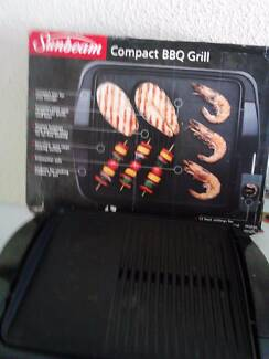 ELECTRIC COMPACT BBQ GRILL