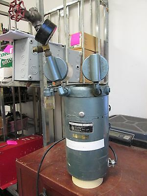 Gast Rotary Valve Lubricated Vacuum Pump 0322-V37-G8D 1/6HP 1Ph 115V 60Hz Used