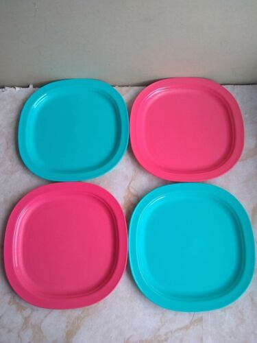 "Tupperware Impressions Microwave-Safe Plates 9.5"" Set of 4 Pink & Blue"