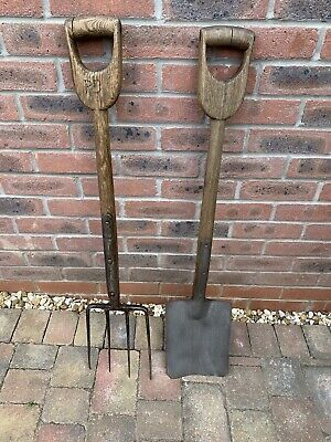 Vintage garden D handle spade and fork, spade made by Nash