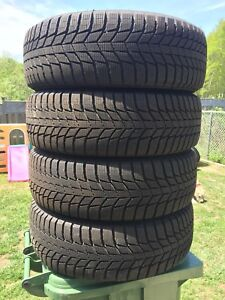 p225/60/18 inch Winter Tires / LIKE NEW / GREAT DEAL