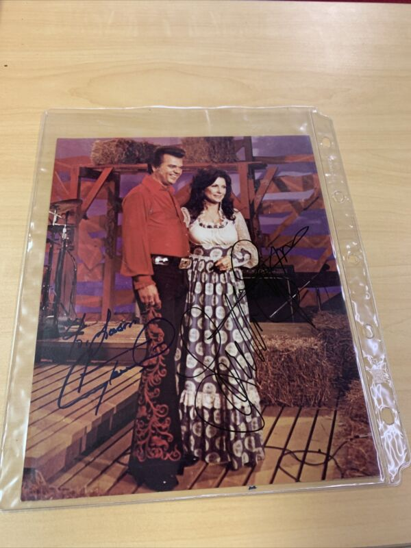Signed Vintage loretta lynn and conway twitty 8x10 picture 100% Guaranteed Real