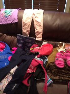 Kids clothes and shoes / vêtement d'enfant et chaussures