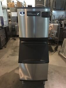 Manitowoc ice machines undercounter and upright