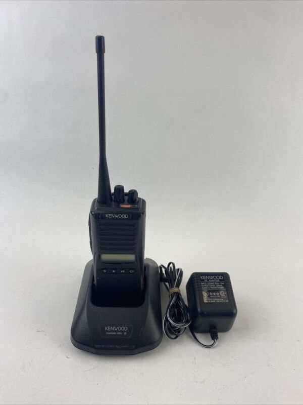 Kenwood TK-480 800 MHz FM Transceiver Walkie Talkie, Charger and Battery