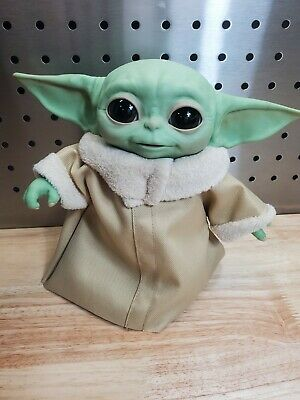 Hasbro Star Wars Mandalorian Baby Yoda Grogu The Child Animatronic Edition Toy