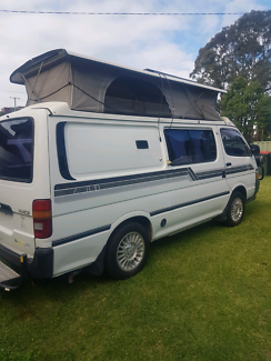 Toyota hiace pop top