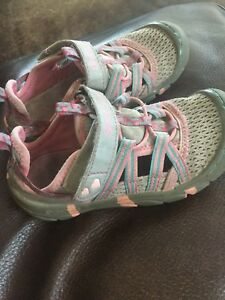 Sketchers girls sandals size 9 toddler