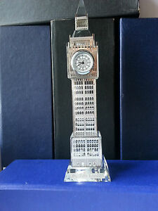 GOLD/SILVER BIGBEN,CLOCK WITH CHANGING LIGHTS.PERFECT GIFT,SOUVENIR