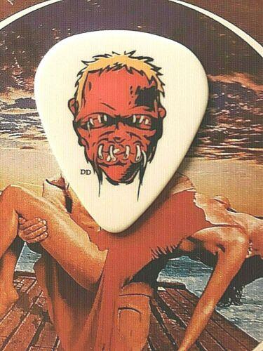 METALLICA Lars Ulrich 2009 tour red zombie guitar pick