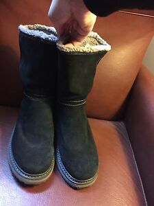 Women's size 10 cougar Winter boots! London Ontario image 4