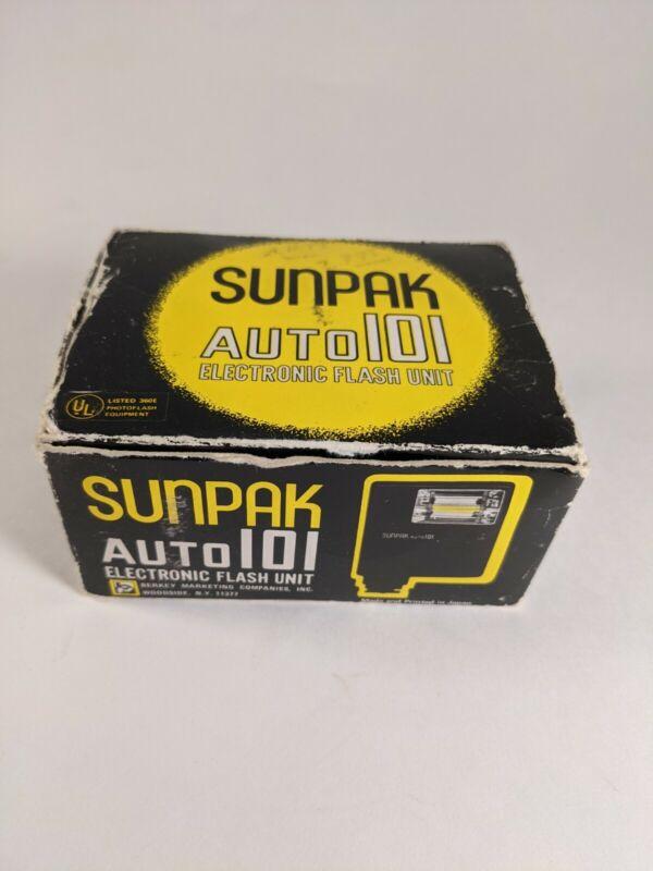 Vintage Sunpak Auto 101 Electronic Flash Unit Original Box