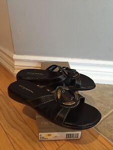 New - Womens Leather Easy Spirit Sandals -    Size 6