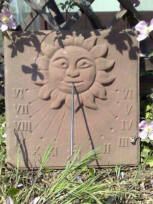 Relief Wandbild Sonnenuhr Platte Sonne Antik Look Sandstein Steinguß C 01 ROT