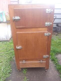 old ice chest Elaine Moorabool Area Preview