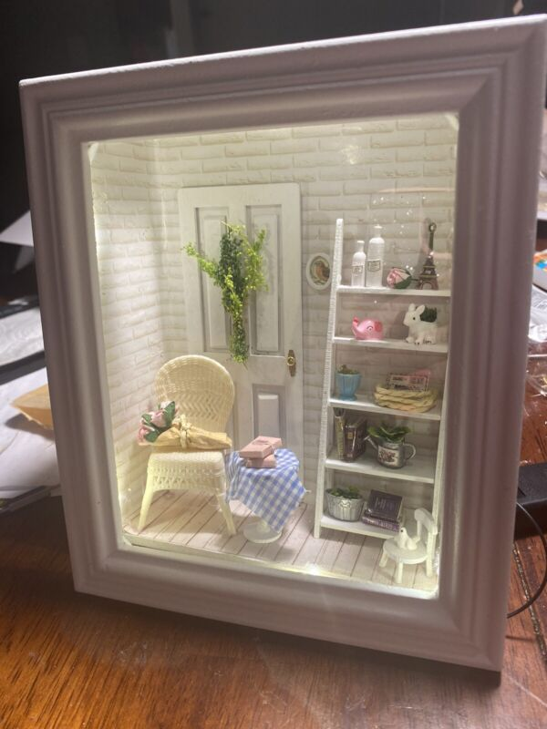 minature dollhouse shadow room box