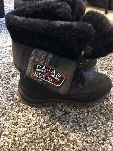New woman's pajar boots