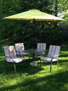 4 chairs patio set, tempered glass table, umbrella & base