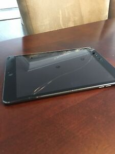 Used Black iPad Mini 2-32 gb