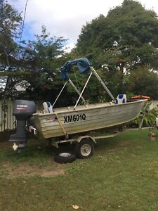 4mt Tinny 30hp 2stroke Yamy Boat trailer
